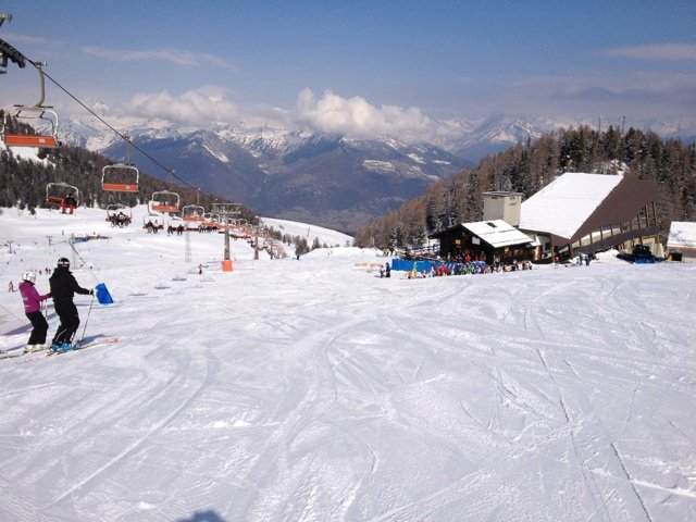 Wide blue piste  - ©Phil_holden @ Skiinfo Lounge