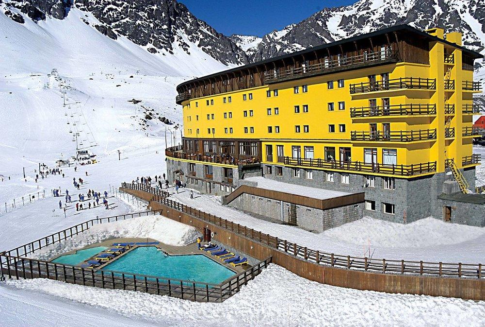 Ski Portillo Chile - ©facebook.com/skiportillo