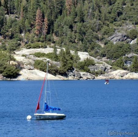 Pinecrest Lake Resort