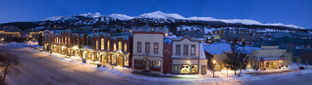 The town of Breckenridge at night.