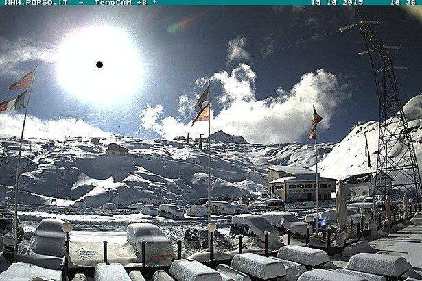 Passo Stelvio, neve fresca 15.10.15 - ©Passo Stelvio Webcam