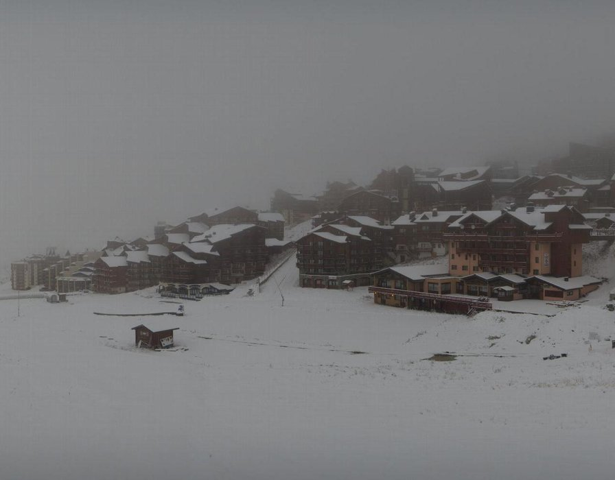 Wake up with snow at Val Thorens (October 16, 2015)