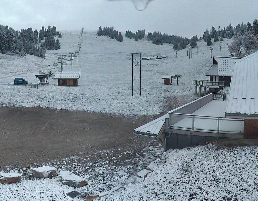 Wake up with snow at Le Semnoz (October 16, 2015)