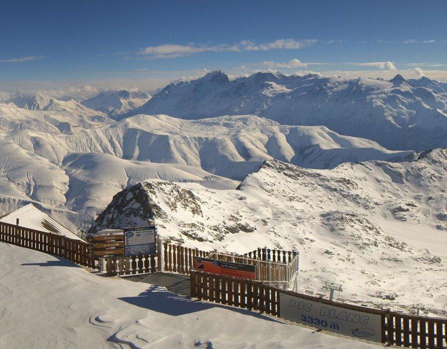 L'Alpe d'Huez ce midi entre neige au soleil