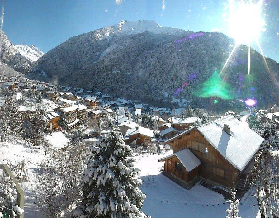 Champagny en Vanoise ce midi entre neige et soleil