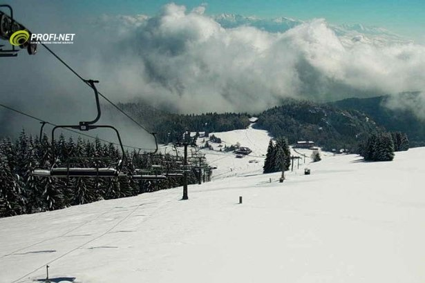 Fresh snow in Ruzomberok Malino Brdo, end of April 2016 - ©webcams OTS