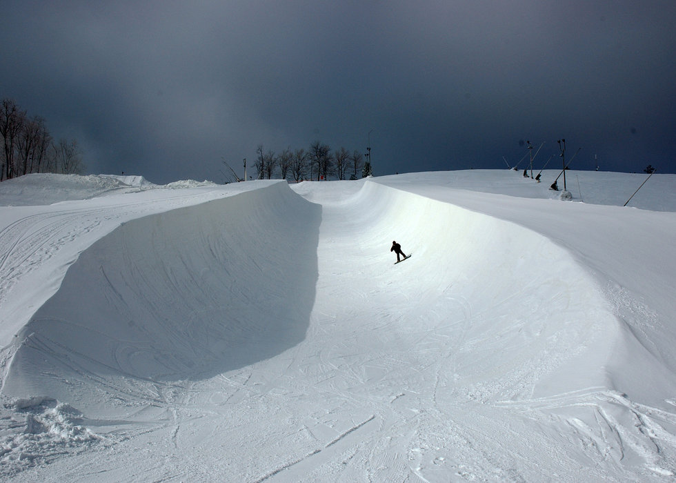Lone boarder at Seven Springs PA