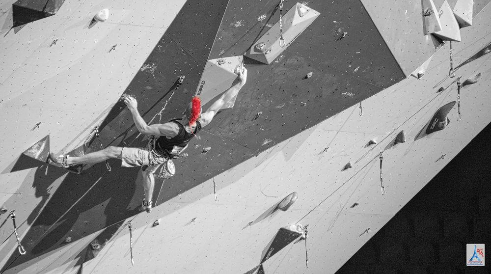 Sebastian Halenke fiel nicht nur durch seine Frisur auf. Als Zehnter verpasste er das Finale leider knapp. - ©(c) FFME/Agence Kros - Remi Fabregue
