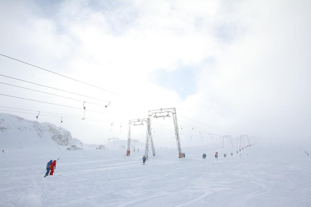Ein Lift ins Nichts am Stubaier Gletscher (12.11.2016) - ©Skiinfo