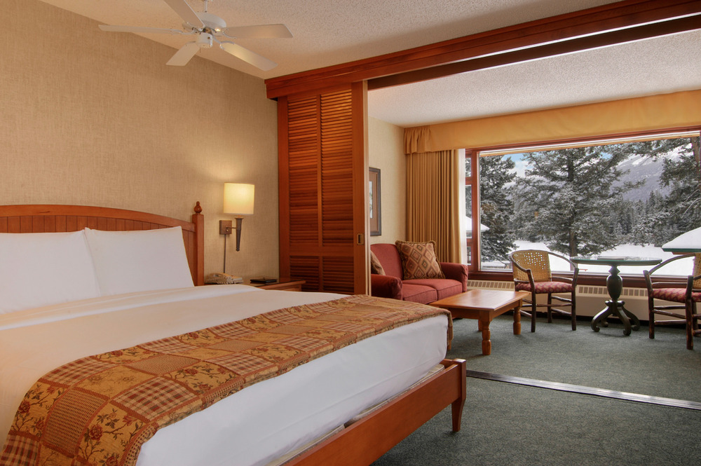 The Fairmont Jasper Park Lodge has upscale lodging for skiers. Photo courtesy of Fairmont Jasper Park Lodge.
