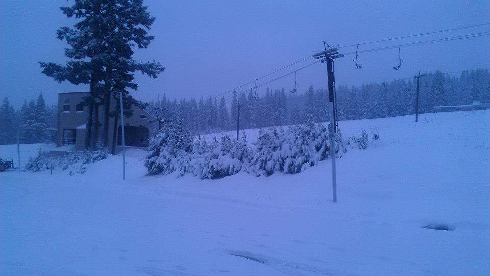 Early morning snow at Mt. Hood Meadows. Photo: Mt. Hood Meadows/Facebook
