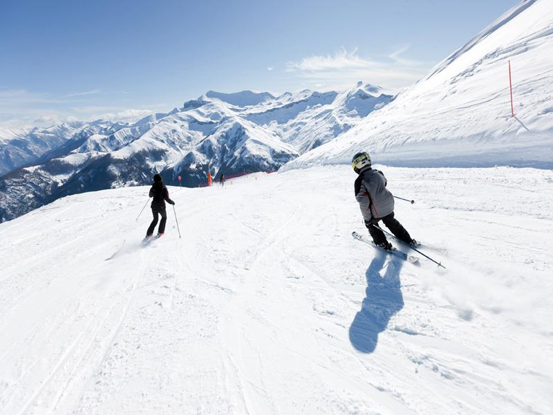 Skiing in Auron, Cote d'Azur Montagne - ©R Palomba - Stations du Mercantour