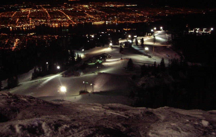 Lights of Grouse Mountain and Vancouver during night skiing. Photo by Math89/Flickr. - ©Math89/Flickr