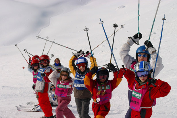 Children's ski lesson in Avoriaz, France