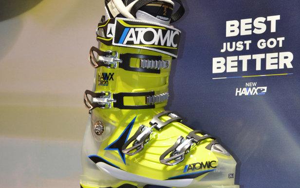 ispo show 2015 ski boots atomic hawx ski boots onthesnow. Black Bedroom Furniture Sets. Home Design Ideas