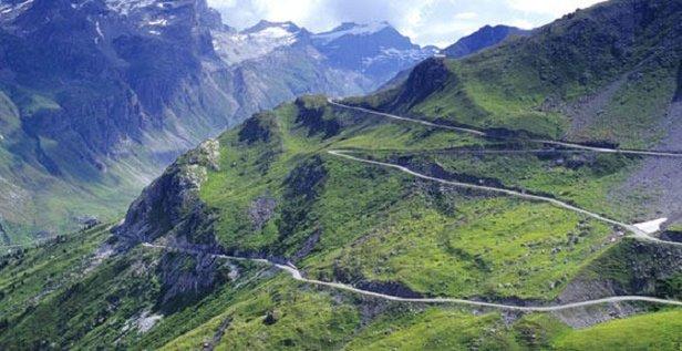 Routes des Grandes Alpes, Rhone Alpes - ©Savoie-Mont-Blanc