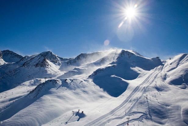 Avec 300 km de pistes de ski, Andorre est le plus grand domaine skiable des Pyrénées - ©Andorra Tourism