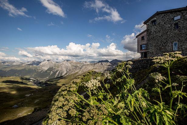 Aussicht von Berghütte Hörnli nach Arosa