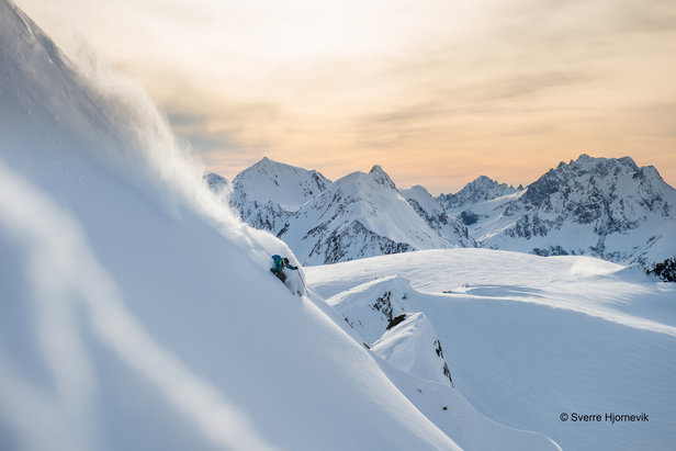 Warren Miller: Cordova/Alaska - ©Sverre Hjornevik