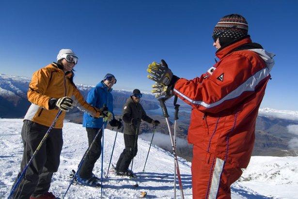 Skiërs krijgen les in het skigebied Treble Cone in Nieuw-Zeeland - ©Treble Cone Images