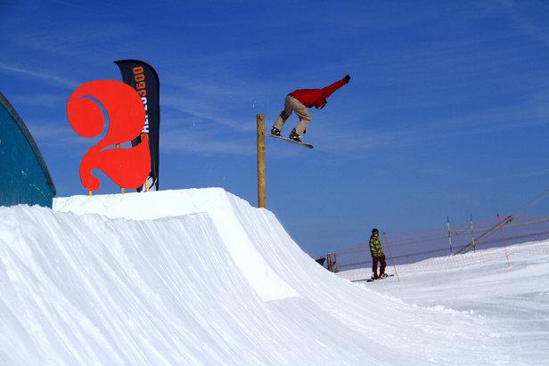 Où skier cet automne ? A Tignes et aux 2 Alpes ! - ©OT Les 2 Alpes / Kevin Marchal
