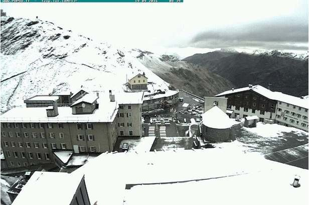 Neve di Settembre: prima spolverata anche in Italia - ©Webcam Passo Stelvio