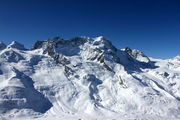 Blick vom Gornergrat auf das beeindruckende Gletschersystem unterhalb des Klein Matterhorns und des Breitshorns - ©Skiinfo.de/Sebastian Lindemeyer