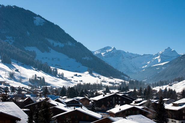 In Gstaad herrscht bestes Winterwetter. - ©Gstaad Saanenland Tourismus