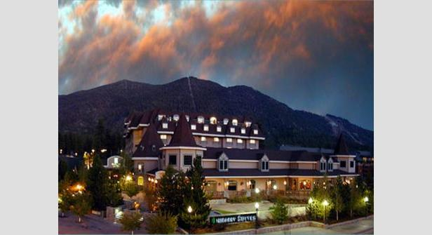 Embassy Suites is just steps away from Heavenly Ski Resort - ©Embassy Suites Lake Tahoe