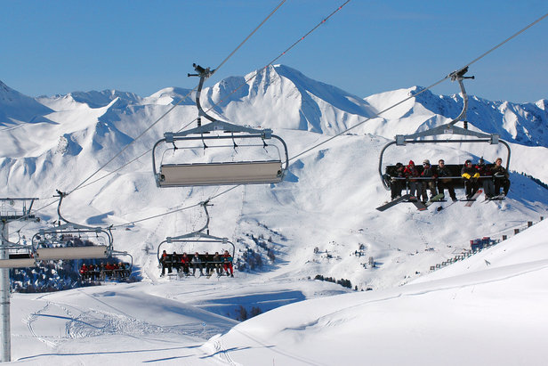 Extensive, uncrowded skiing up to 3,250 in La Plagne - ©Beatrice Koumanov