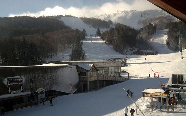 Retour du soleil sur le massif du Sancy après les chutes de neige