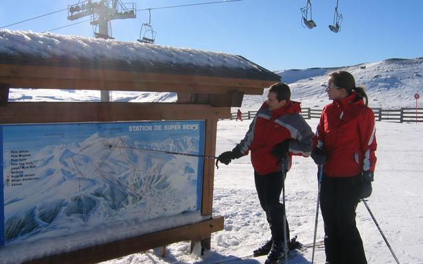 Skieurs sur le domaine skiable de Super Besse - ©Massif du Sancy