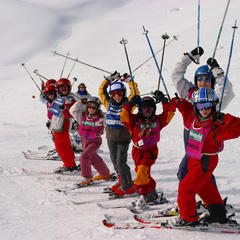 Ski lessons: Group or private?