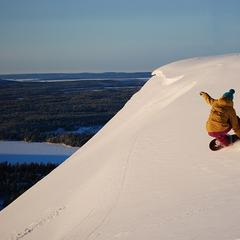 Sunny skies and powder conditions in Ruka, Finland