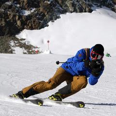 Macht auch bei sportlicher Fahrt viel her: Die ODLO Skihose Spirit GTX® - ©Skiinfo