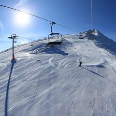 First skiers at Bansko, Buglaria Dec, 2014 - ©Bansko Winter Resort