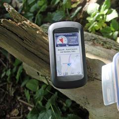 Geocaching: Dose und GPS