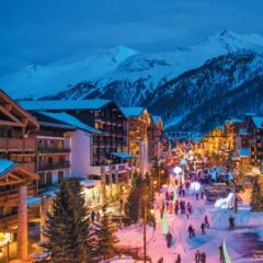 Val d'Isere's pretty setting makes for a magical Christmas - ©Office du Tourisme Val d'Isère