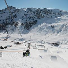 Das weitläufige Skigebiet ist neuerdings günstig mit dem Fernbus zu erreichen - ©Mayrhofner Bergbahnen