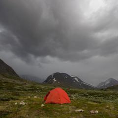 Wenn dunkle Gewitterwolken aufziehen, sollte man wissen, wie man sich richtig verhält - ©Erika Spengler