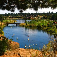 SUP Deschutes crowd - ©Pete Alport / Visit Bend