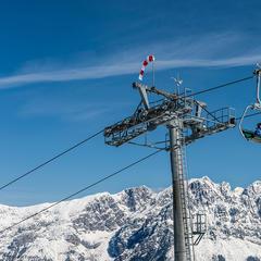 Skifahrer auf dem Lift in der SkiWelt Wilder Kaiser Brixental - ©Peter von Felbert