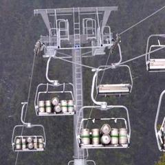 Bier muss in Europa auch auf der Hütte fließen - ©Skiinfo