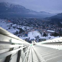 Blick auf Garmisch-Partenkirchen von der Olympiaschanze - ©Archive Terrain De
