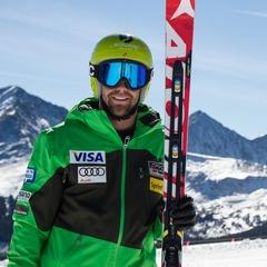U.S. Ski Team Athlete Travis Ganong was on hand to show skiers how it's done. - ©Liam Doran