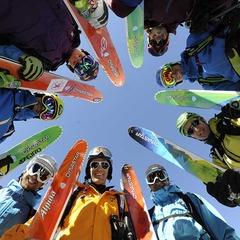 Toutes les marques proposent des gammes adaptées aux différents type de skieurs - ©Dynastar-DanFerrer