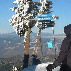 A sunny day at Mt. Ashland. Photo by Anthony Olegario/Flickr.