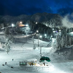 If you have the energy, night skiing is available too. - ©Liam Doran