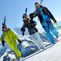 Ski à La Clusaz - ©OT La Clusaz / Massif des Aravis