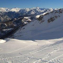 Ciel bleu et neige en abondance à Serre Chevalier - ©Serre Chevalier